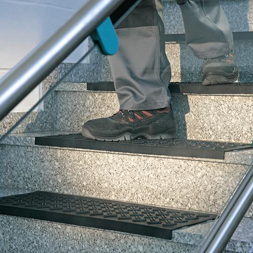 Treppenstufenmatte aus Gummi belastbar