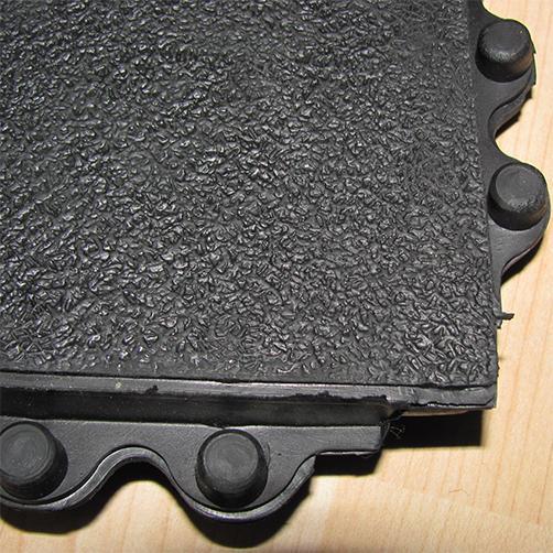 Noppen + Oberfläche Bodenplatte