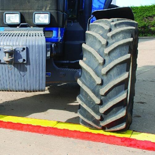 Linebacker Heavy Duty Traktor