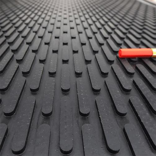 Gummi-Eingangsmatte Soil-Guard mit Abstreifstegen