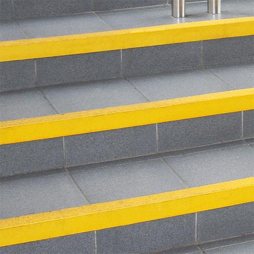 Treppenkantenprofil GFK rutschhemmend für Innentreppen